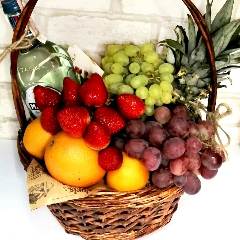 Подарунковий набір Вермут та фрукти