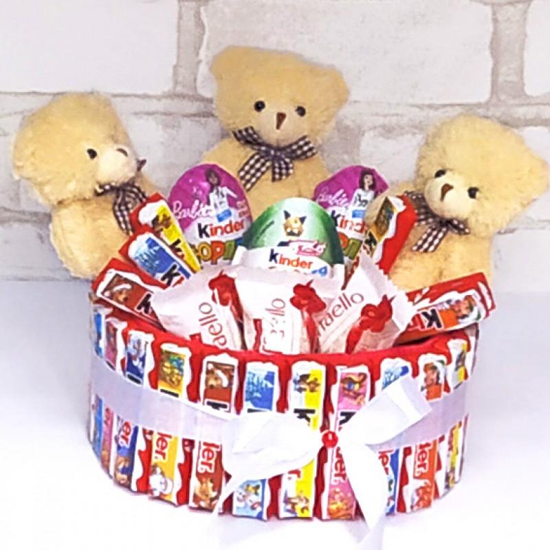 Букет з цукерок Тортик кіндер та ведмедики