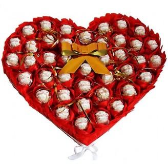 Букет из конфет Raffaello Сердце Большое