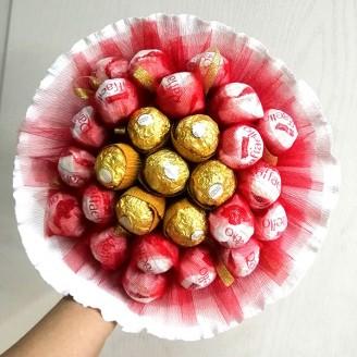 Букет из конфет Ферреро роше и Рафаэлло 27