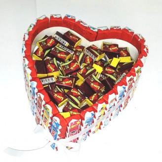 Букет з цукерок Серце кіндер ретро