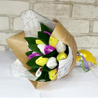 Букет з цукерок Тюльпани 15 рафаелло крафт