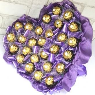Букет из конфет Сердце сиреневое Ферреро роше