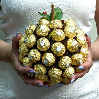 Букет із цукерок Золоте яблучко