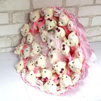 Букет из игрушек мишки 23 рафаэлло розовый