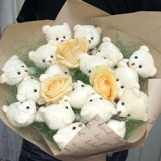Букет из игрушек Мишки 17 розы крафт