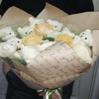 Букет з іграшок Ведмедики 17 трроянди крафт