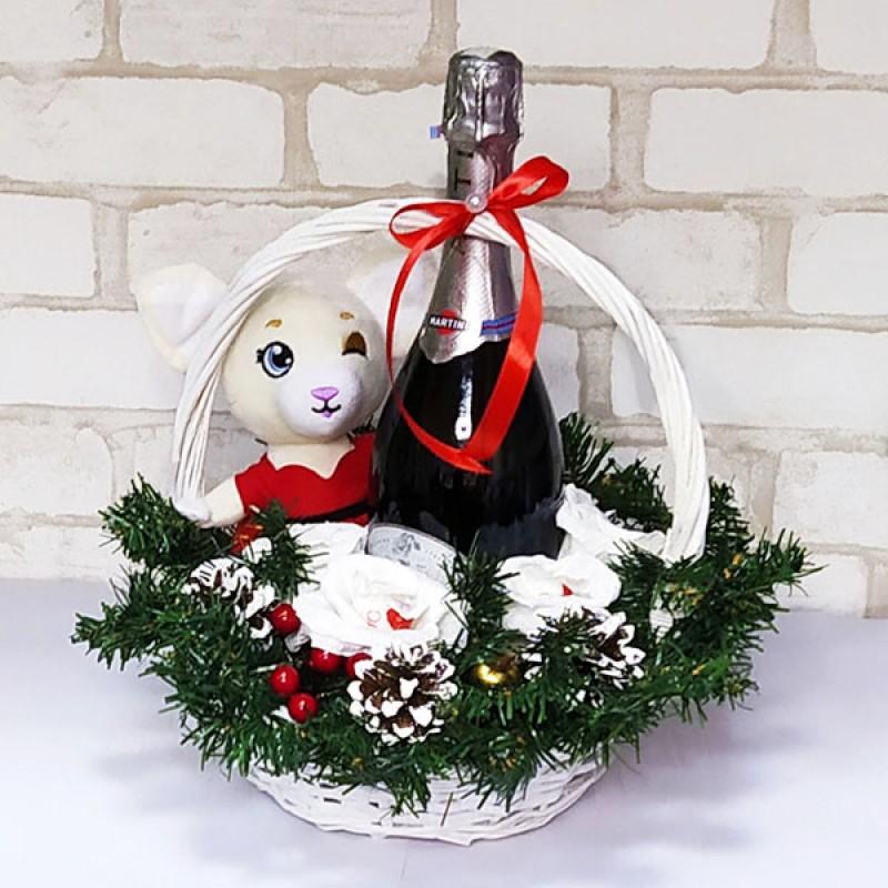 Подарочный набор Корзина с игрушкой
