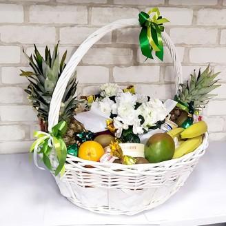 Подарочный набор Корзина цветы, фрукты, конфеты