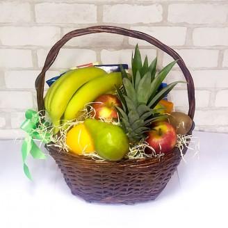 Подарочный набор Корзина ассорти фрукты и шоколад