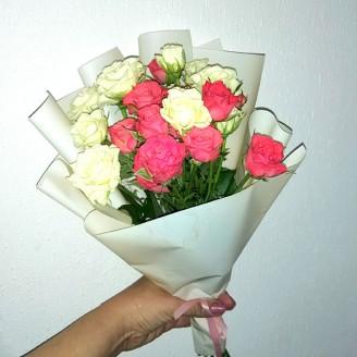 Букет из роз бело-розовый