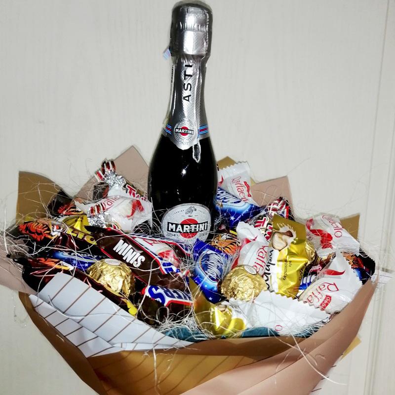 Подарунковий букет Міні мартіні та солодощі