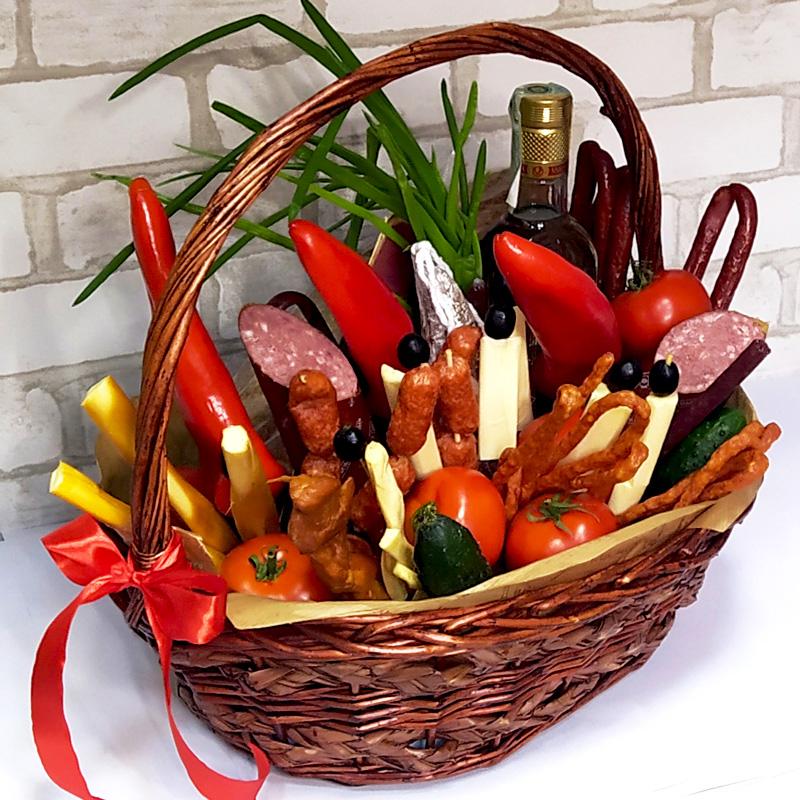 Подарунковий набір Сири, ковбаси та алкоголь