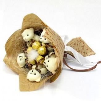 Букет из игрушек Мишки с ферреро роше