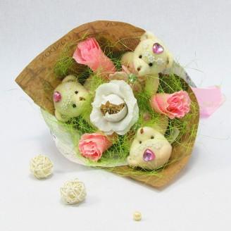 Букет из игрушек Мишки с розами Крафт