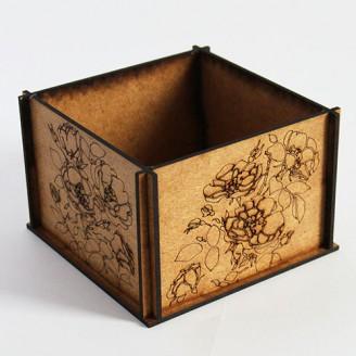 Декоративная деревянная коробочка