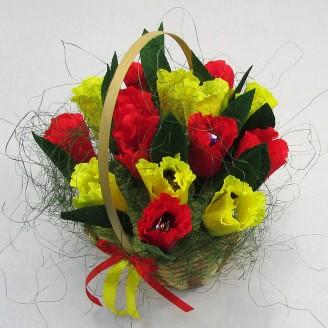 Букет из конфет Корзина тюльпанов 15
