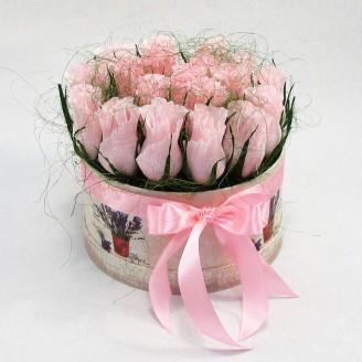 Букет из конфет Розы 19 в шляпной коробке