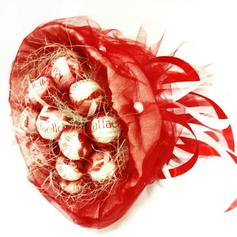 Букет из конфет Рафаэлло 15 красный