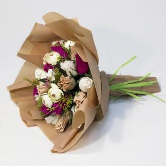 Букет з цукерок Троянди 21 в матовій плівці