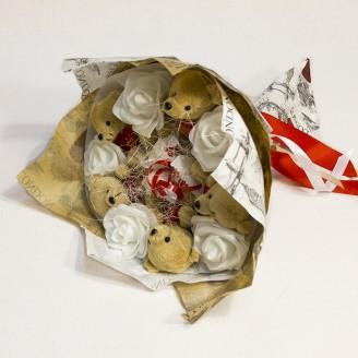 Букет из игрушек Мишки 5 коричневые с рафаэлло Крафт
