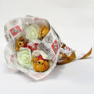 Букет из игрушек Собачки с рафаэлло Крафт
