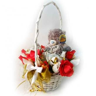 Букет из конфет Мишка Тэдди в розах