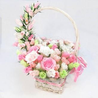 Букет из конфет Большая корзина Роз