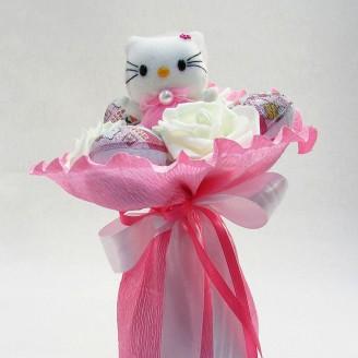 Букет из игрушек Котик с Киндер-сюрприз розовый