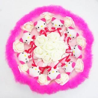 Букет из игрушек Котики 9 малиново-розовый с боа