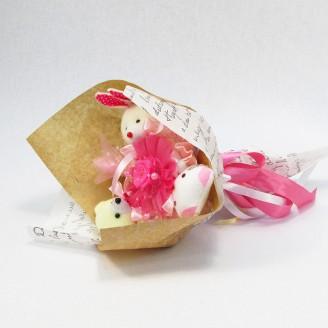 Букет из игрушек Мишка, зайка и котик бело-розовый Крафт