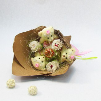 Букет из игрушек Мишки 3 в розовом с розами Крафт