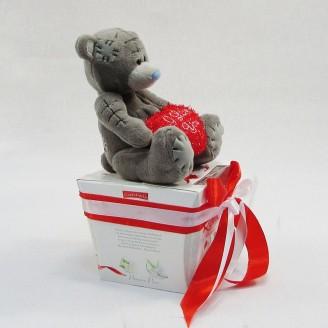 Букет из игрушек Мишка тедди с сердцем и рафаэлло