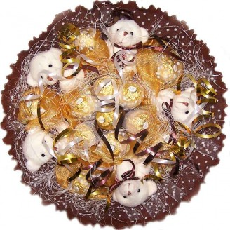 Букет из игрушек Мишки с конфетами Ферреро Роше белые 5