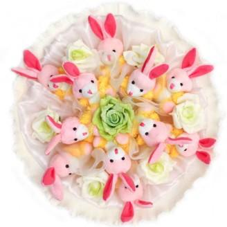 Букет из игрушек Зайки розовые 11 в светлом